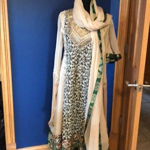 Beautiful Indian dress with pants and scarf
